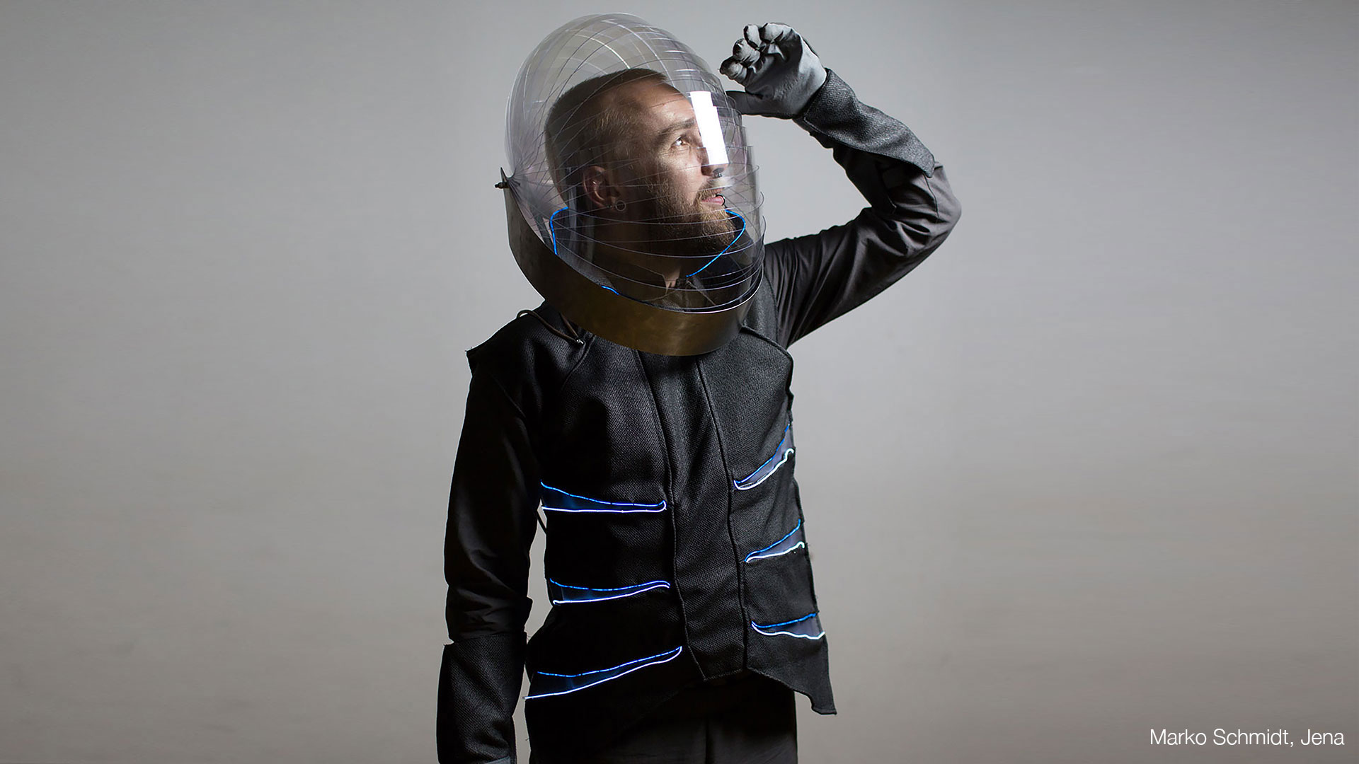 interactive-costumes_DIVER_cred